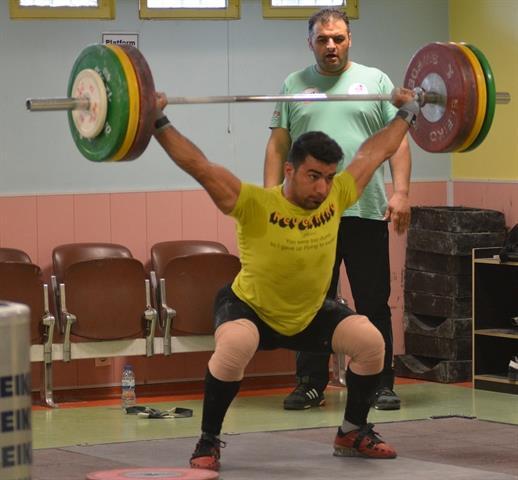 با صلاحدید سرمربی تیم ملی وزنه برداری