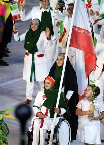رژه ورزشکاران ایران با پرچمداری نعمتی در افتتاحیه المپیک