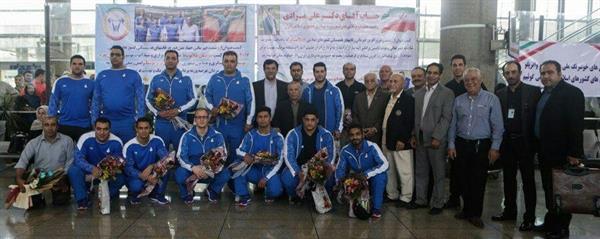 پس از قهرمانی در رقابت های وزنه برداری بازی های کشورهای اسلامی- باکو