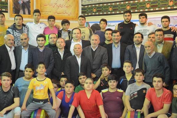 بازدید رییس فدراسیون و هیأت همراه از کمپ تمرینی وزنه برداری استان زنجان