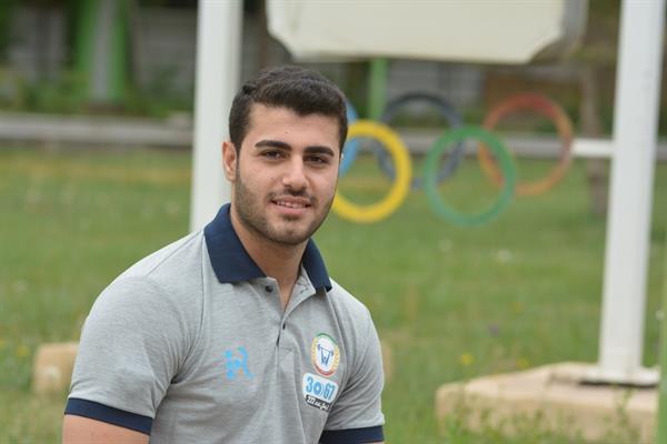 طاهری: برای اثبات قدرت وزنه برداری ایران به ازبکستان می رویم