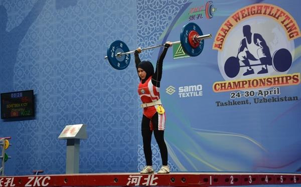 همزمان با بیست و هفتمین دوره رقابتهای وزنه برداری زنان آسیا