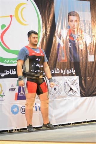 حرکت فرهنگی و ارزشی قهرمان خوش آتیه وزنه برداری ایران