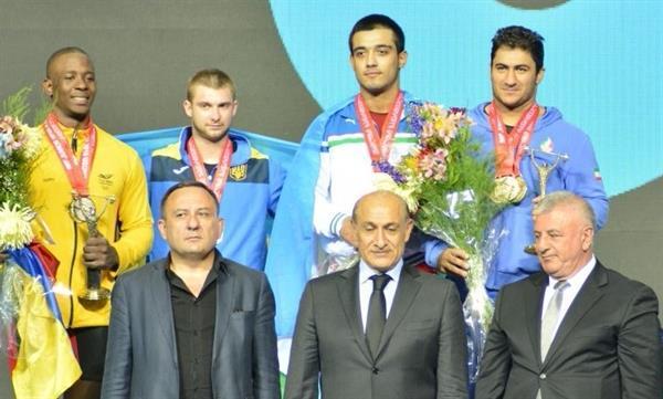 نخستین مدال کاروان وزنه برداری جوانان